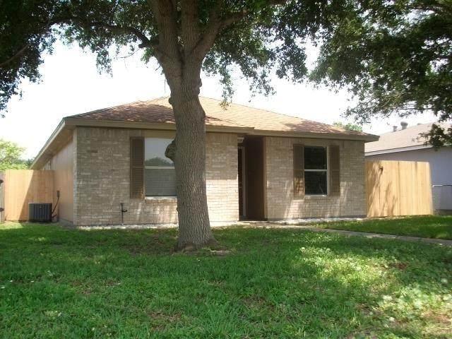 109 Misty, Aransas Pass, TX 78336 (MLS #382147) :: KM Premier Real Estate