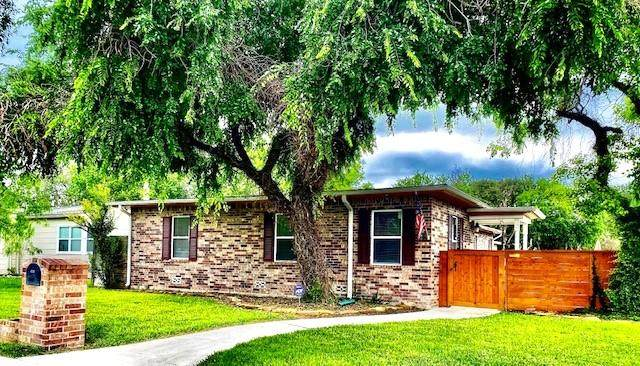 302 Laurel Drive, Corpus Christi, TX 78404 (MLS #382214) :: KM Premier Real Estate