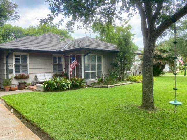 452 Delaine Drive, Corpus Christi, TX 78411 (MLS #383209) :: RE/MAX Elite Corpus Christi