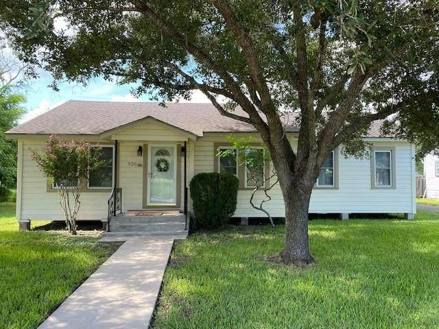 920 W Lee Avenue, Kingsville, TX 78363 (MLS #386145) :: KM Premier Real Estate