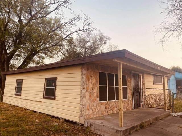 1145 E 2nd, Alice, TX 78332 (MLS #388734) :: RE/MAX Elite Corpus Christi