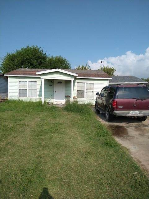2511 S Ave E, Ingleside, TX 78362 (MLS #389047) :: The Lugo Group