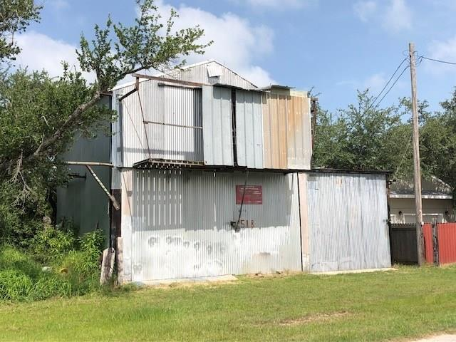 518 Rowe St, Rockport, TX 78382 (MLS #339844) :: Desi Laurel Real Estate Group