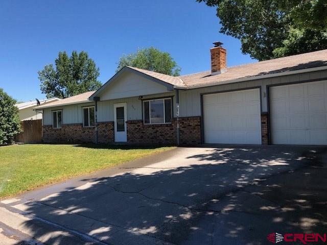 900 Mountain View Court, Montrose, CO 81403 (MLS #747472) :: CapRock Real Estate, LLC