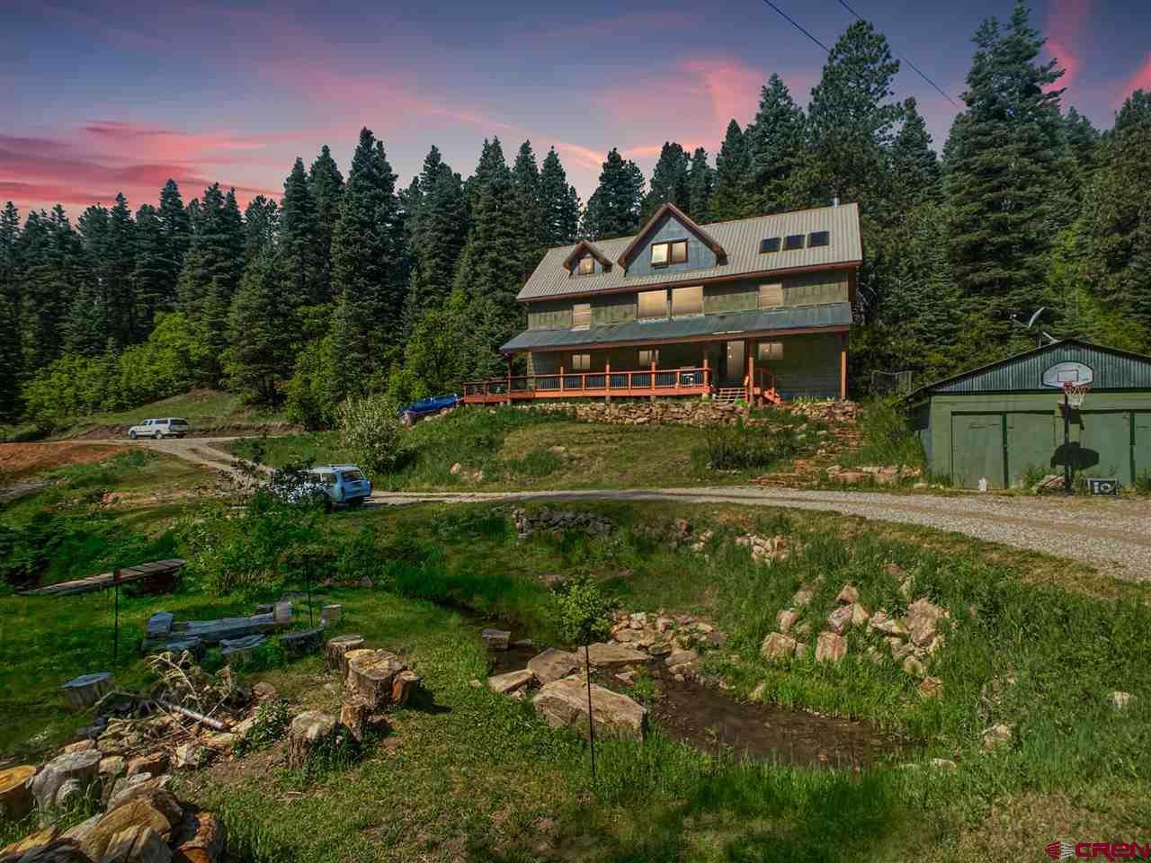 555 Trew Creek - Photo 1