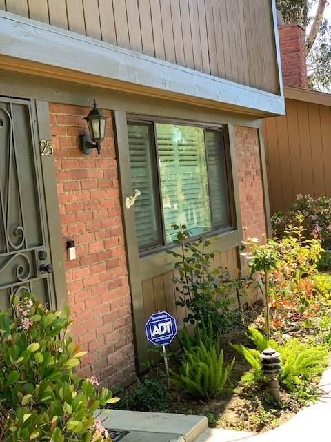 14456 Foothill Boulevard #25, Sylmar, CA 91342 (#SR19246353) :: Lydia Gable Realty Group