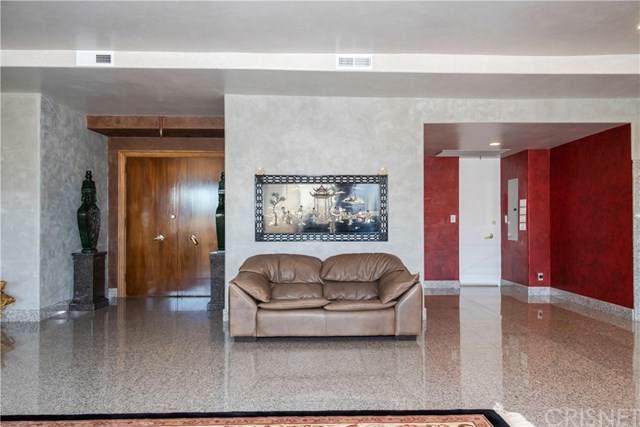 1333 S Beverly Glen Boulevard #402, Los Angeles, CA 90024 (#SR19251050) :: Randy Plaice and Associates