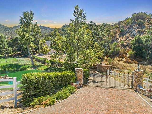 612 Carlisle Road, Thousand Oaks, CA 91361 (#219013237) :: The Parsons Team