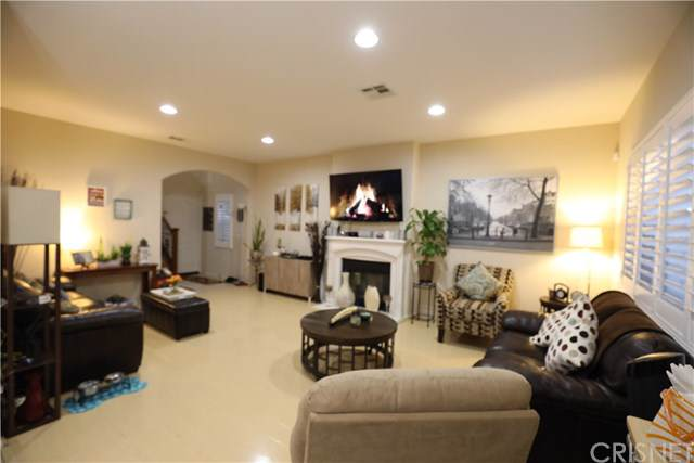 1089 S Reservoir Street, Pomona, CA 91766 (#SR19281796) :: Randy Plaice and Associates