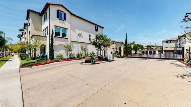 1551 W 1st Street #48, Santa Ana, CA 92703 (#SR20095218) :: Randy Plaice and Associates