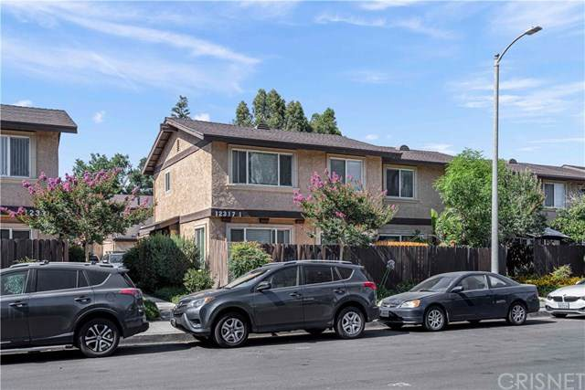 12317 Runnymede Street #1, North Hollywood, CA 91605 (#SR20120075) :: Randy Plaice and Associates
