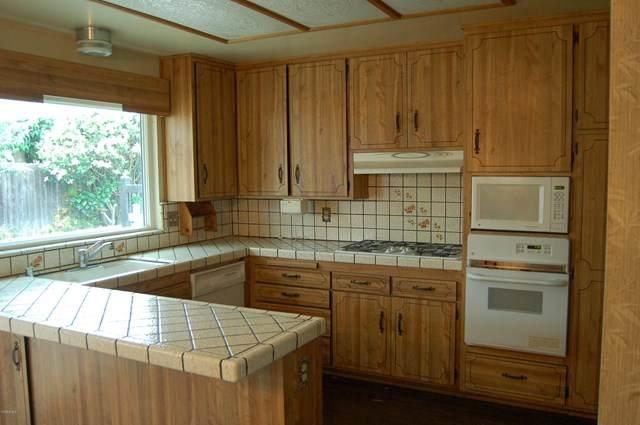 1481 Loma Drive, Camarillo, CA 93010 (#220006361) :: SG Associates