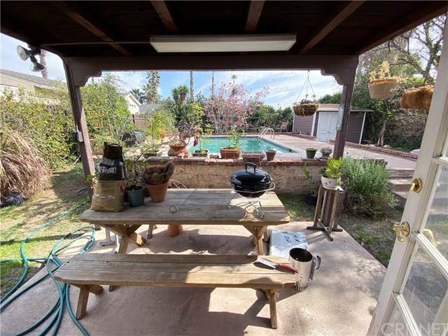 10566 Shoshone, Granada Hills, CA 91344 (#SR20124217) :: SG Associates