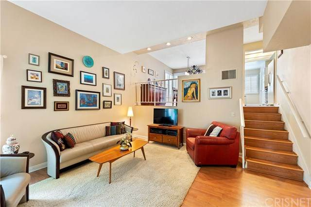 5455 Sylmar Avenue #2601, Sherman Oaks, CA 91401 (#SR20130123) :: Randy Plaice and Associates
