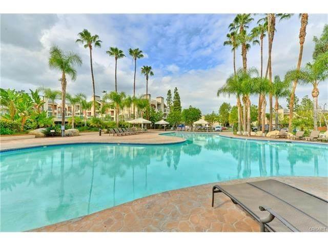 21400 Burbank Boulevard #221, Woodland Hills, CA 91367 (#SR20131063) :: Randy Plaice and Associates