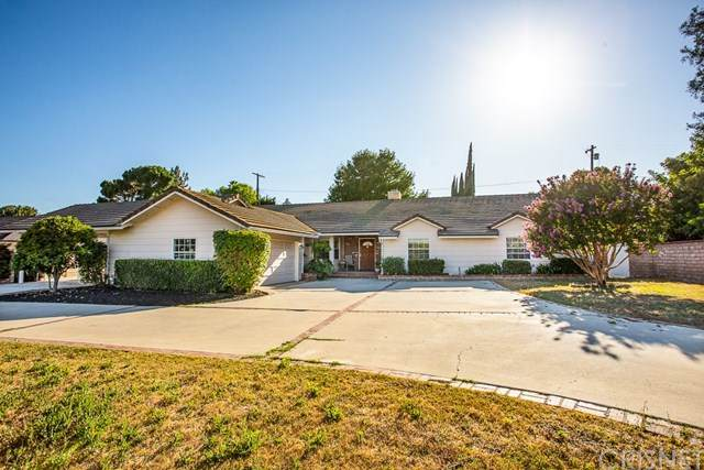 8981 White Oak Avenue, Sherwood Forest, CA 91325 (#SR20132086) :: Randy Plaice and Associates