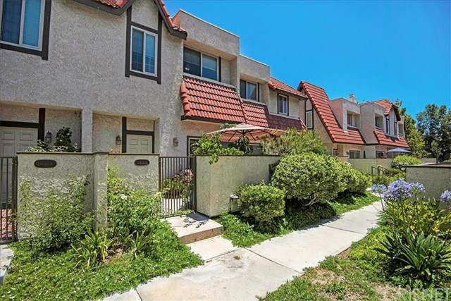 17933 River Circle #5, Canyon Country, CA 91387 (#SR20134115) :: HomeBased Realty