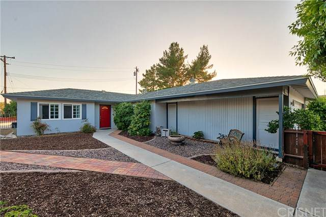 28041 Lacomb Drive, Canyon Country, CA 91351 (#SR20134390) :: HomeBased Realty