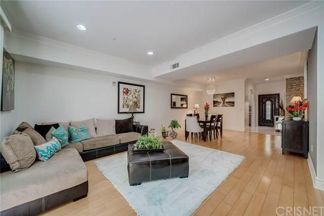 4110 La Crescenta Avenue #105, La Crescenta, CA 91214 (#SR20139654) :: Lydia Gable Realty Group
