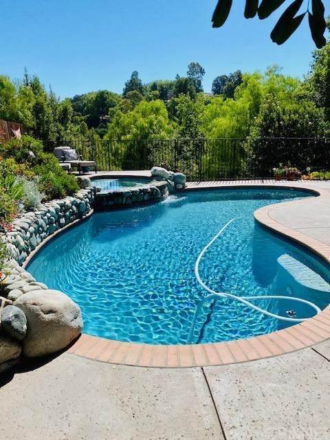 472 Canyon Vista Drive, Newbury Park, CA  (#SR20153244) :: Randy Plaice and Associates