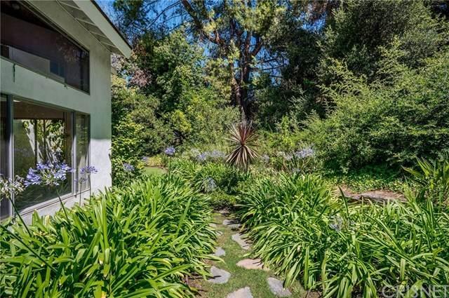 16454 Royal Hills Drive, Encino, CA 91436 (#SR20155108) :: TruLine Realty