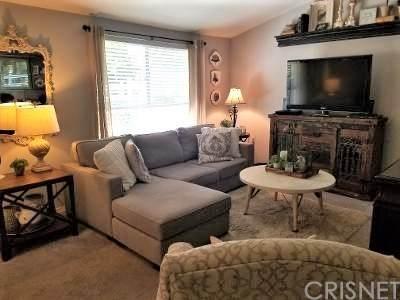 26743 Oak Crossing Road A, Newhall, CA 91321 (#SR20160522) :: Randy Plaice and Associates