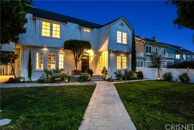 738 S Norton Avenue, Los Angeles, CA 90005 (#SR20151783) :: The Suarez Team