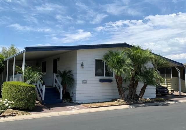 500 W Santa Maria Street #32, Santa Paula, CA 93060 (#V0-220008849) :: The Parsons Team
