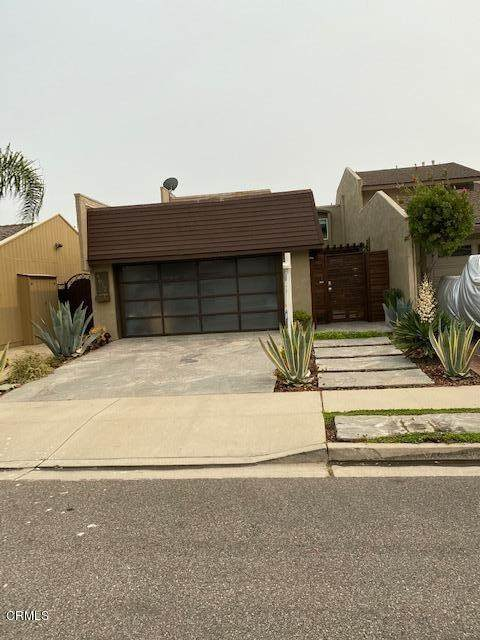 4612 Falkirk Bay, Oxnard, CA 93035 (#V1-1298) :: HomeBased Realty