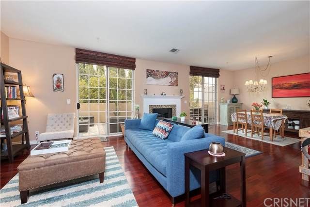 11445 Moorpark Street #11, Studio City, CA 91602 (#SR20192118) :: Compass