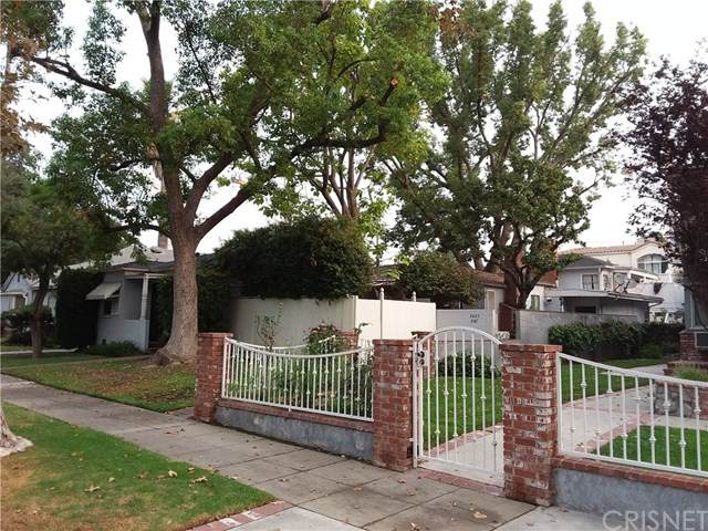 3023 W Riverside Drive, Burbank, CA 91505 (#SR20194471) :: HomeBased Realty