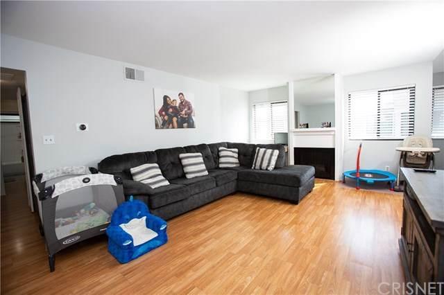10760 Woodley Avenue #1, Granada Hills, CA 91344 (#SR20200871) :: SG Associates