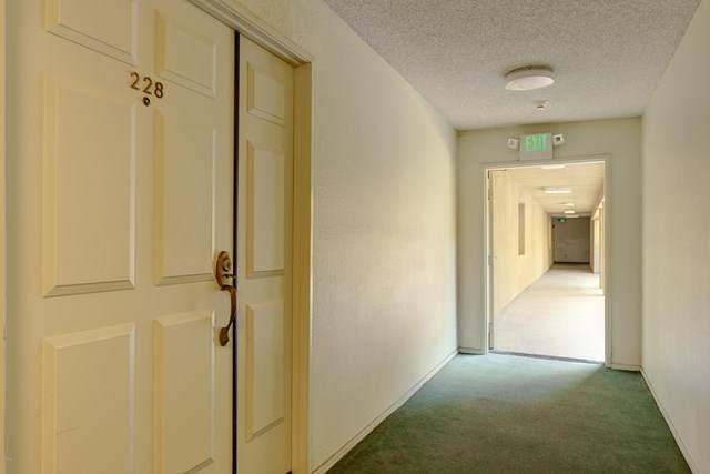6140 Monterey Road #228, Los Angeles, CA 90042 (#P1-1463) :: HomeBased Realty