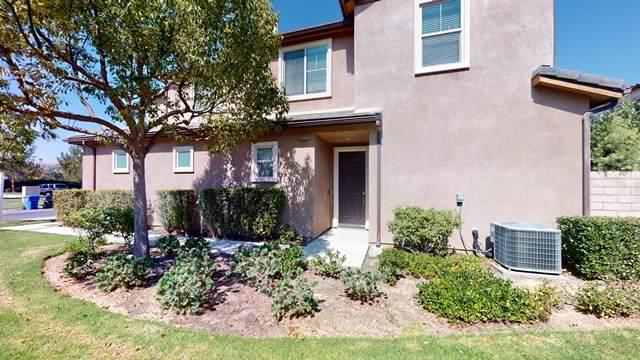 6850 Ivy Creek Way, Moorpark, CA 93021 (#V1-1585) :: Compass