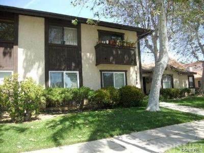 17179 Chatsworth Street #8, Granada Hills, CA 91344 (#SR20203639) :: SG Associates