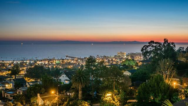 335 Mariposa Drive, Ventura, CA 93001 (#V1-1639) :: The Suarez Team
