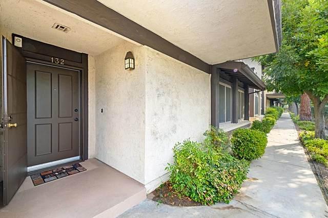 6716 Clybourn Avenue #132, North Hollywood, CA 91606 (#220010290) :: The Suarez Team
