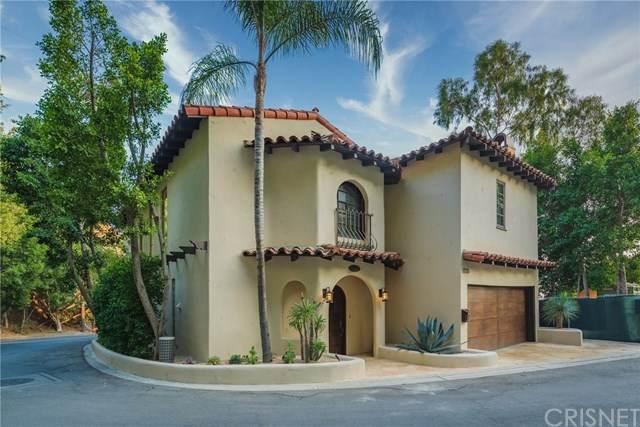 1723 Viewmont Drive, Los Angeles, CA 90069 (#SR20207410) :: Compass