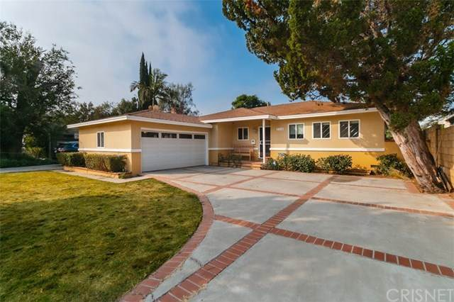 7119 Andasol Avenue, Lake Balboa, CA 91406 (#SR20220305) :: The Parsons Team