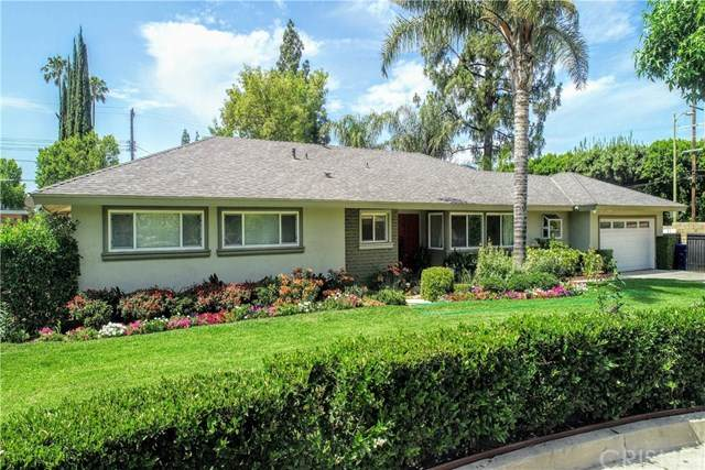 19230 Halsted Street, Northridge, CA 91324 (#SR20221232) :: Arzuman Brothers