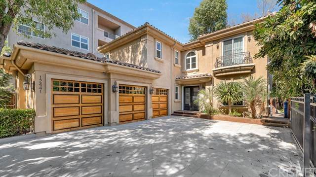 12441 Rye Street, Studio City, CA 91604 (#SR20215637) :: The Suarez Team