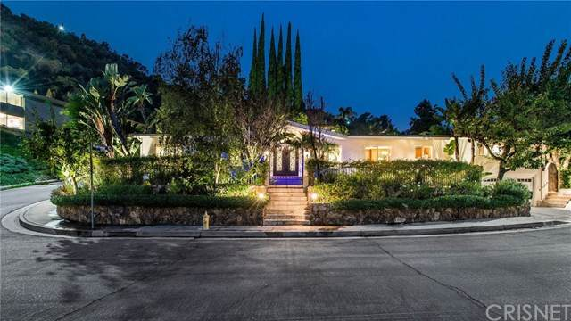 3607 Bellfield Way, Studio City, CA 91604 (#SR20218363) :: Arzuman Brothers