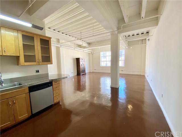 312 W 5th Street #205, Los Angeles, CA 90013 (#SR20224103) :: SG Associates