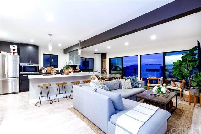 1126 Manhattan Avenue, Hermosa Beach, CA 90254 (#SR20223605) :: The Parsons Team