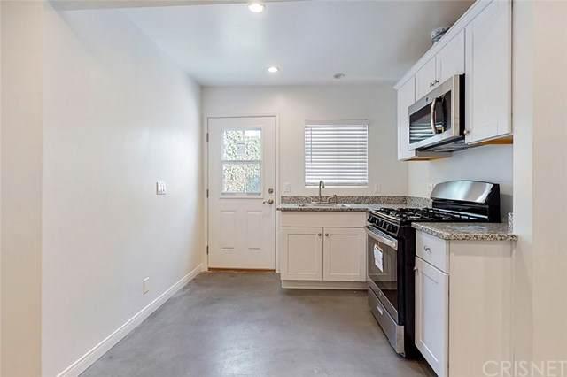 19708 Roscoe Boulevard, Winnetka, CA 91306 (#SR20225281) :: Berkshire Hathaway HomeServices California Properties