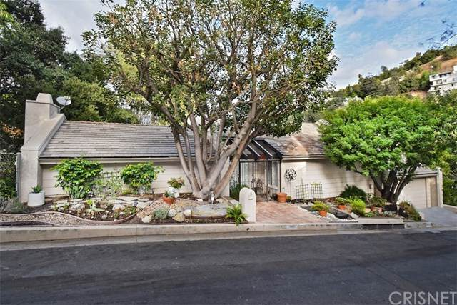 3910 Sumac Drive, Sherman Oaks, CA 91403 (#SR20226495) :: The Parsons Team