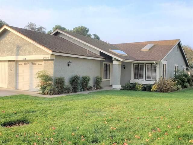 42114 Village 42, Camarillo, CA 93012 (#V1-2339) :: SG Associates