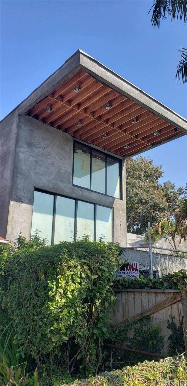 1437 Cabrillo Avenue, Venice, CA 90291 (#SR20241901) :: The Suarez Team