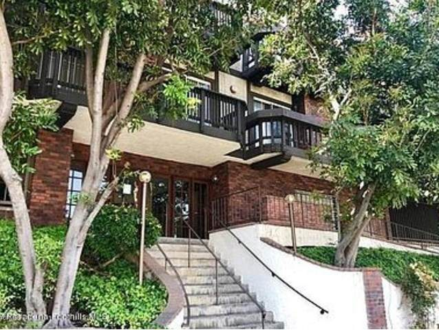 3800 Stocker Street #32, View Park, CA 90008 (#P1-2404) :: The Grillo Group