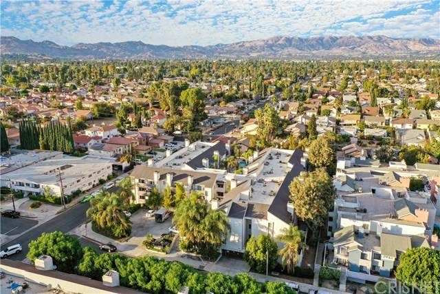 20253 Keswick Street #303, Winnetka, CA 91306 (#SR20246019) :: Harcourts Bella Vista Realty
